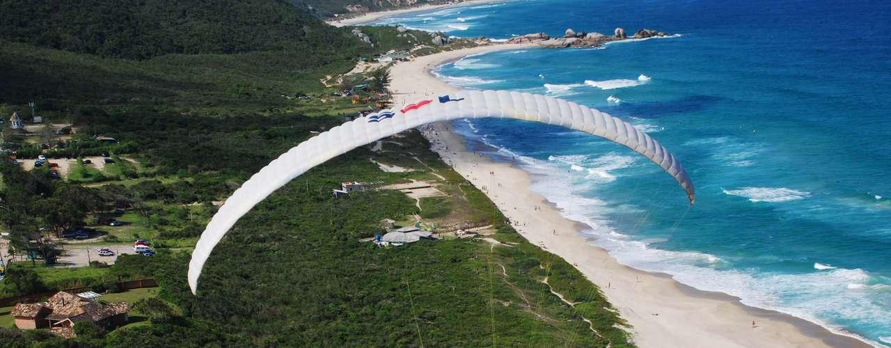 22 de marçoVista da Praia Mole, ponto para prática de parapente, nesta sexta-feira, aniversário de Florianópolis. A comemoração dos 287 anos da cidade terá apresentações culturais em diversas regiões