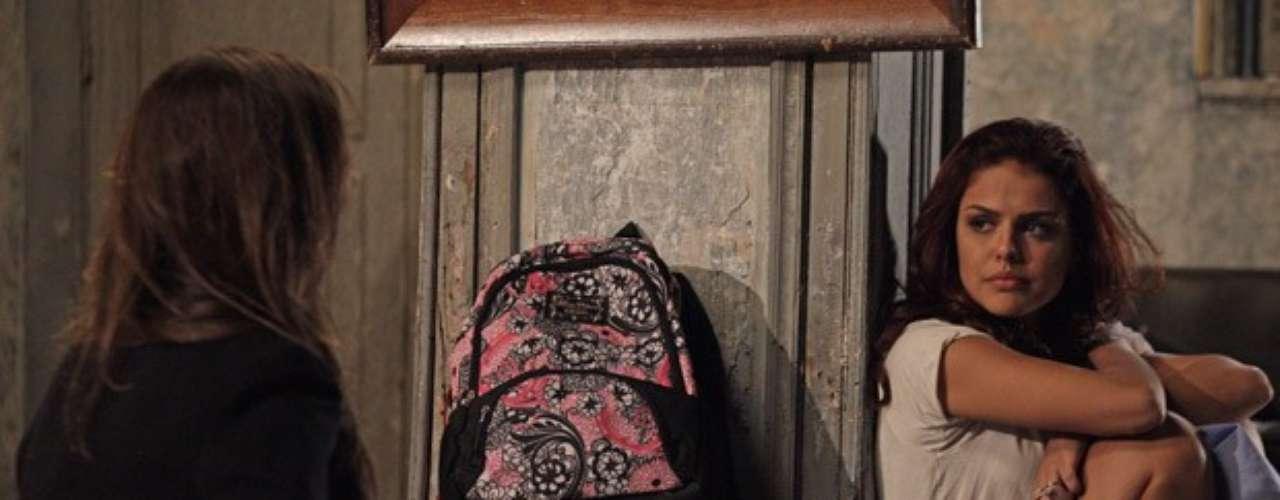 Rosângela revela a Waleska que mentiu sobre morte de Morena
