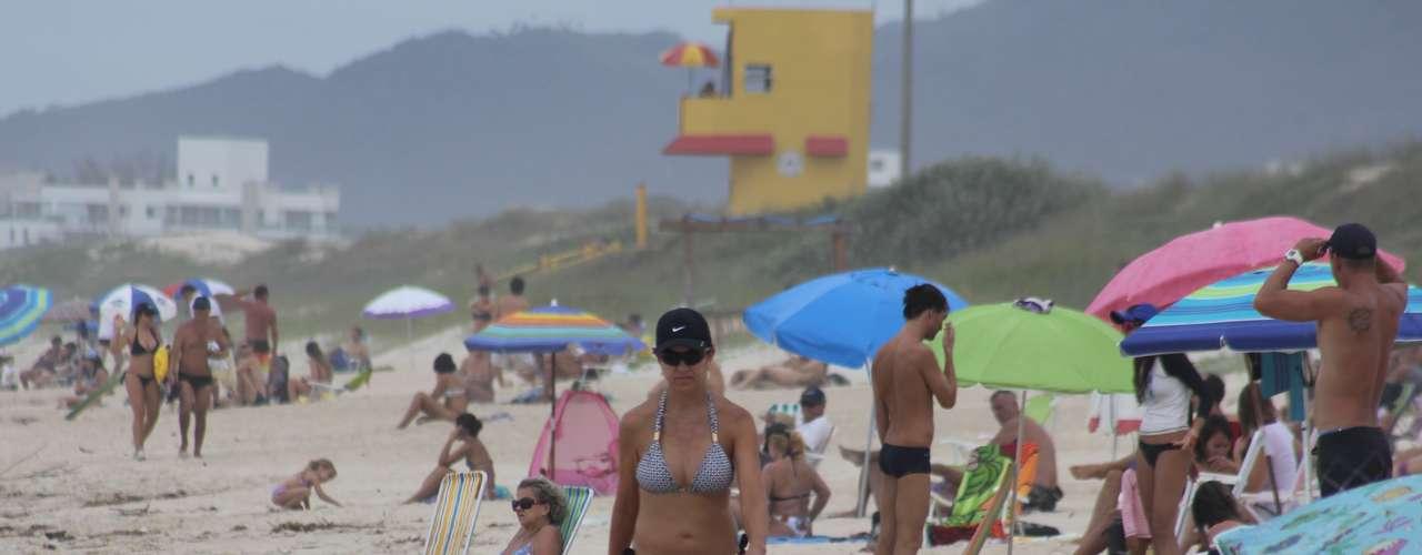 24 de março O tempo nublado não atrapalhou quem decidiu curtir as praias de Santa Catarina