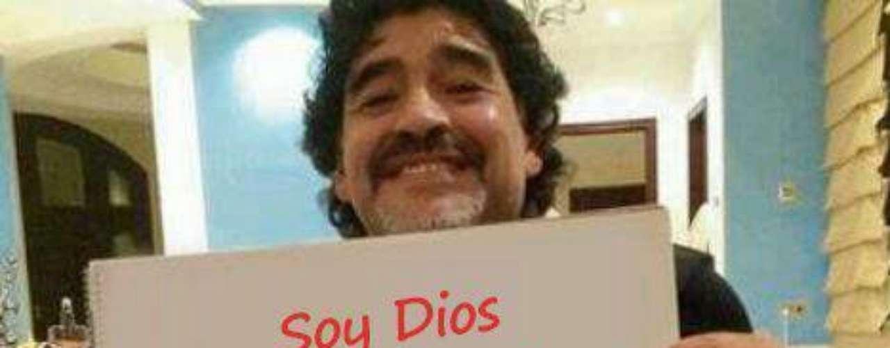 Algumas montagens também foram feitas pelos usuários, como esta com o ex-jogador de futebol Maradona