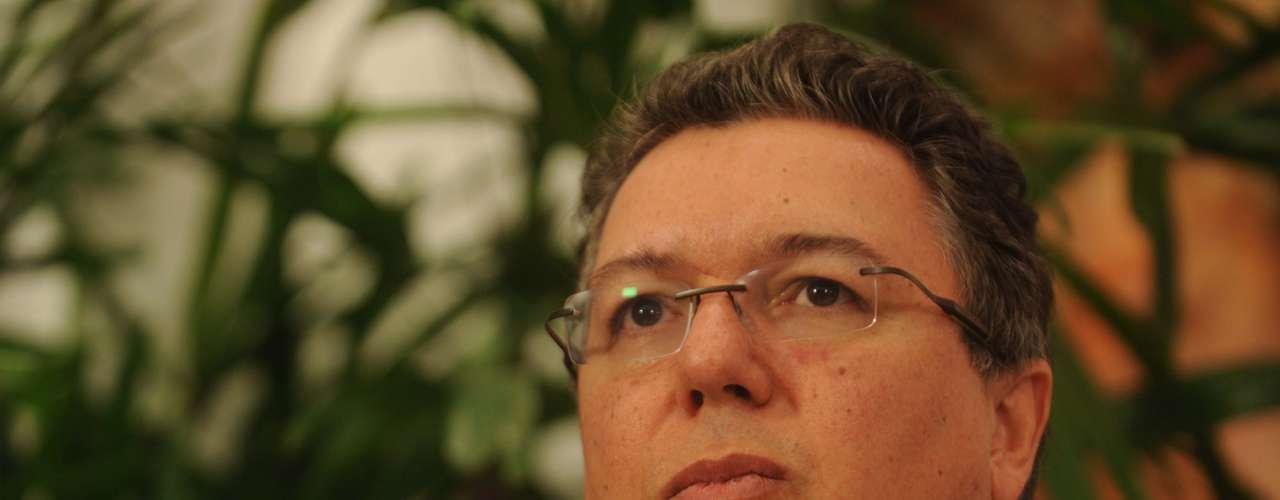 A apresentadora Xuxa Meneghel comemorou seu aniversário de 50 anos em um especial do 'TV Xuxa' gravado nesta segunda-feira (25), no Rio de Janeiro. Com convidados como o jornalista Pedro Bial, a atração vai ao ar no próximo sábado (30), na TV Globo. Na foto, o diretor Boninho