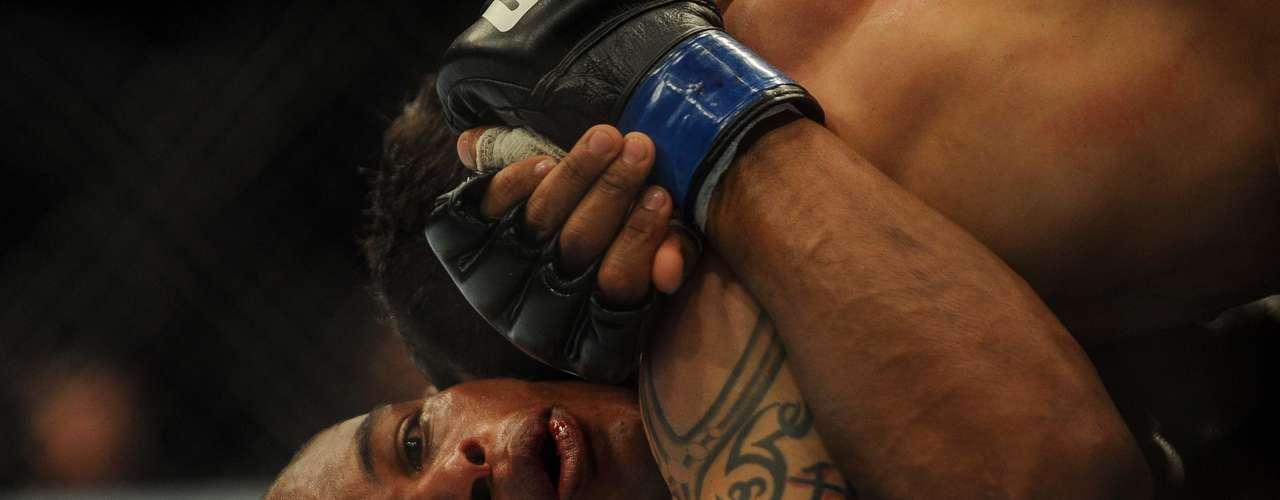 EM ALTA NO UFC Francisco Massarandubaprovou sero lutador mais carismático do 1º TUF e também mostrou competência no octógono. Já disputou seis lutas no UFC e venceu quatro vezes. Vai duelar contra Michael Chiesa em um dos maiores eventos do ano, no dia 24 de maio, em Las Vegas
