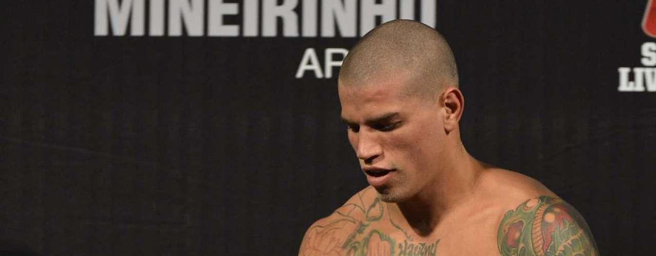 EM ALTA FORA DO UFC Leonardo Macarrão foi outro que se recuperou após participação apagada no TUF. Ele disputou quatro lutasem eventos nacionais de MMA e conseguiu vencer todas