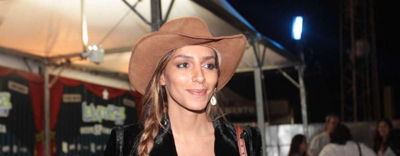 Famosos compareceram ao último dia de Lollapalooza, no Jockey Club de São Paulo, neste domingo (31).Na foto, a modelo Lea T.