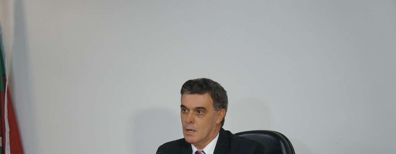3 de abril - Juiz Ulysses Fonseca Louzada aceitou a denúncia na íntegra do Ministério Público contra os oito responsabilizados pelo Ministério Público do RS pelo incêndio na boate Kiss