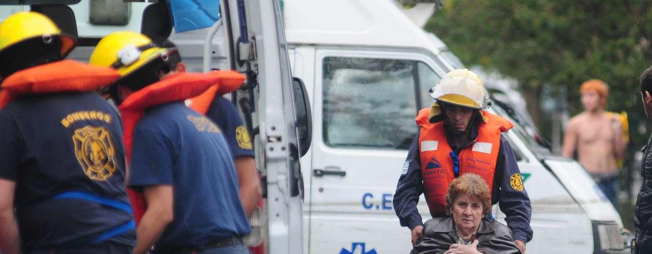 3 de abril -Idosa é resgatada em La Plata