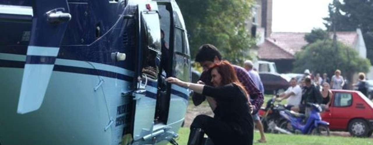 3 de abril -A presidente Cristina Kirchner visitou os bairros mais afetados pelo temporal na tarde desta quarta-feira
