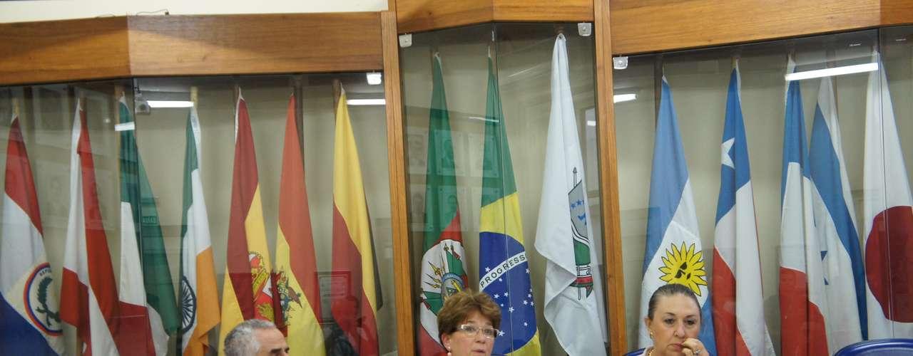 4 de abril -Comissão parlamentar que investiga o incêndio na Boate Kiss aceitou pedido da Associação dos Familiares das Vítimas e Sobreviventes da Tragédia de Santa Maria (AVTSM), que agora passará a participar do processo