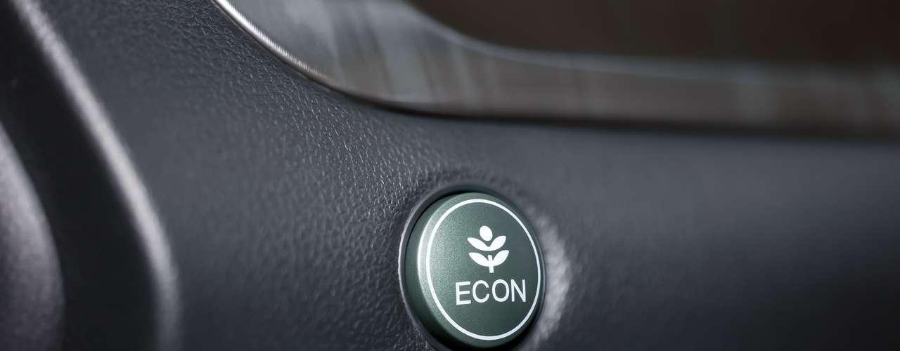 A nova versão tem motor flex 2.0 l e 16 válvulas, que desenvolve até 155 cv de potência movido a etanol