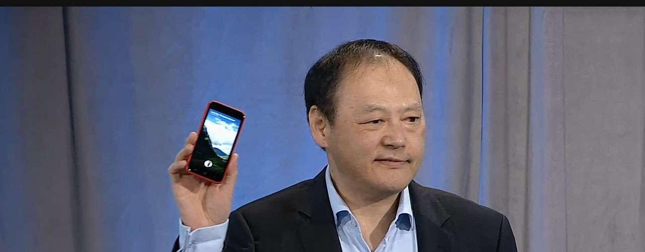 Operadora AT&T e HTC serão as primeiras a oferecer smartphones com o Facebook Home instalado