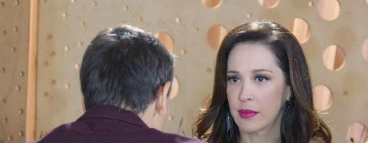 Lívia Marini (Claudia Raia) continua apaixonada por Théo (Rodrigo Lombardi) e recebe uma notícia que a deixa abalada: Élcio (Murilo Rosa) conta que o capitão vai ser pai