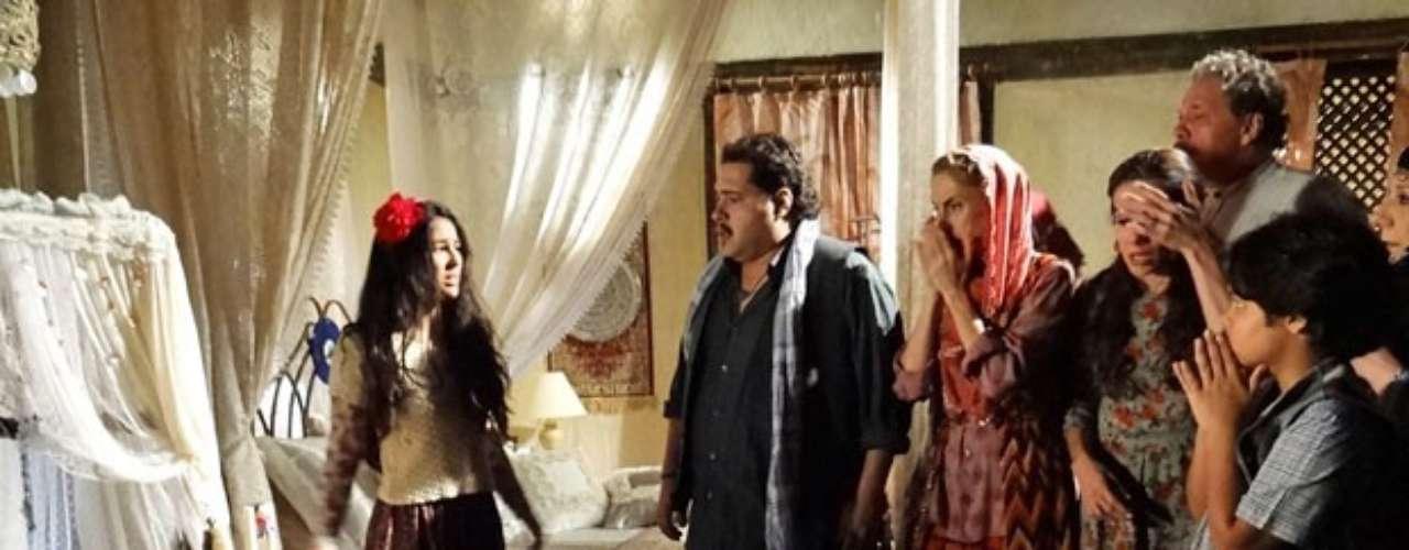 Tamar e Demir se desesperam ao notar que o filho sumiu. Ao saírem em busca da criança, encontram pegadas perto da janela