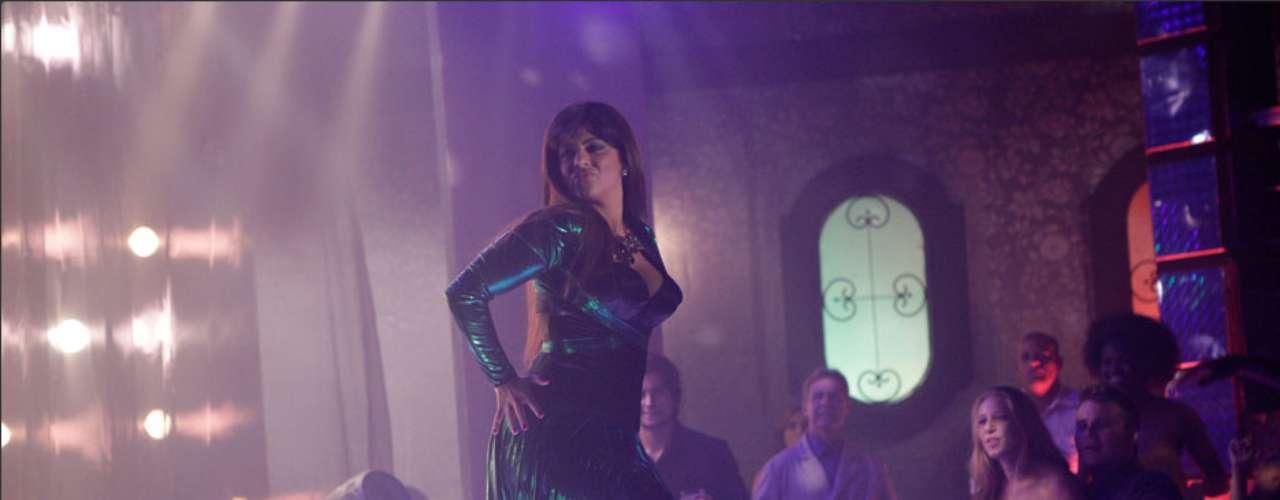 Jô (Thammy Miranda) vai encarnar Lohana e fazer um show sensual na boate de 'Salve Jorge'. Tudo não passa de um plano elaborado por Helô (Giovanna Antonelli) para prender a máfia do tráfico de pessoas