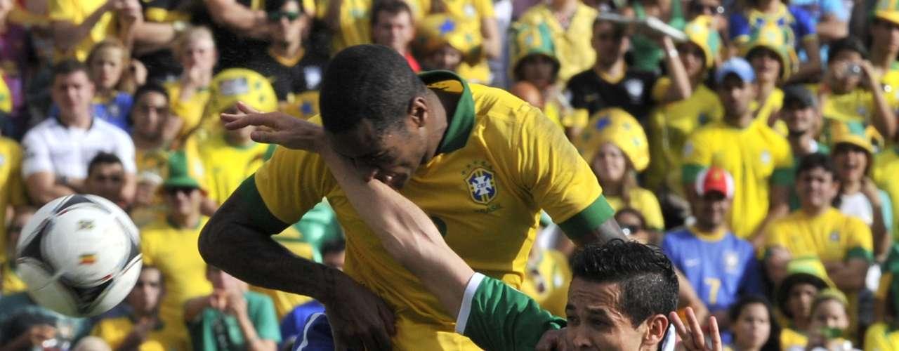 Dedé teve pouco trabalho na defesa brasileira, principalmente no primeiro tempo, já que a Bolívia sequer criou chances de gol