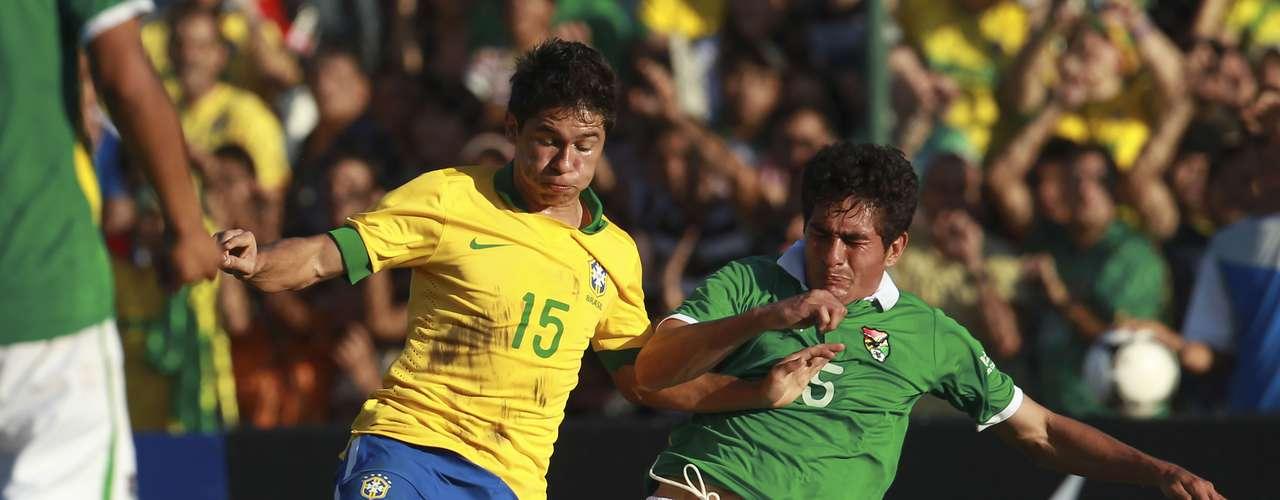 Osvaldo entrou no lugar de Neymar, fez boas jogadas, mas não se destacou