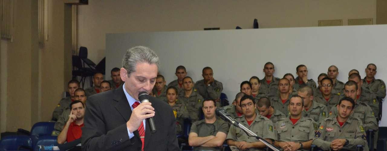 8 de abril -O major Gerson da Rosa Pereira, chefe do estado maior do 4º Comando Regional dos Bombeiros, depôs naComissão Parlamentar de Inquérito (CPI) da Câmara de Vereadores de Santa Maria (RS)