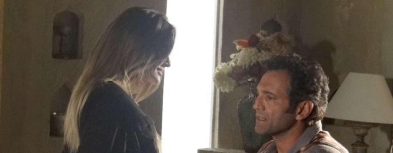 Zyah (Domingos Montagner) afirma que as coisas entre ele e a brasileira não serão do mesmo jeito de antes e que não terminará seu casamento com Ayla (Tânia Khalill)