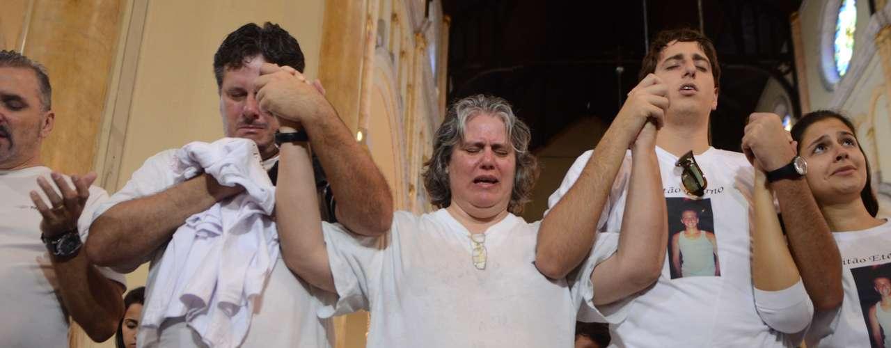 Manifestação começouna igreja do Largo São José do Belém na manhã deste sábado