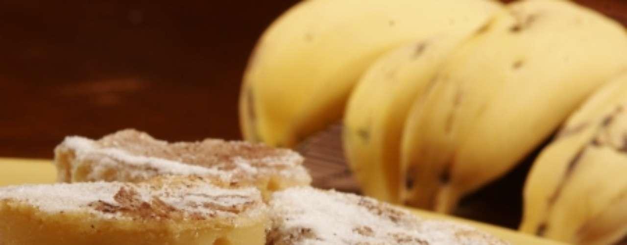 Bolo de banana e aveia.