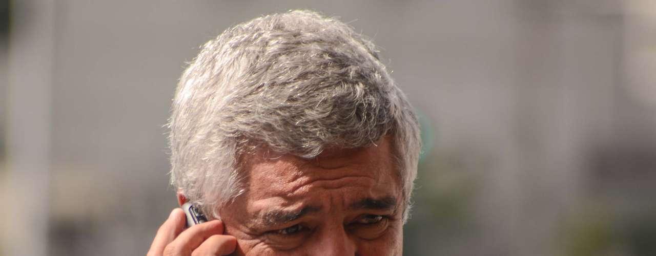 16 de abril - Deputado Major Olímpio chega para o segundo dia de julgamento dos 26 policiais militares acusados de envolvimento no massacre do Carandiru