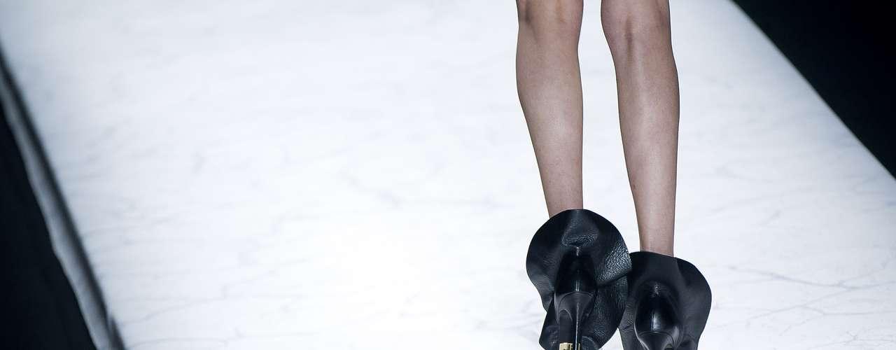 Sapatos pretos também seguiram a tendência de cores da Filhas de Gaia