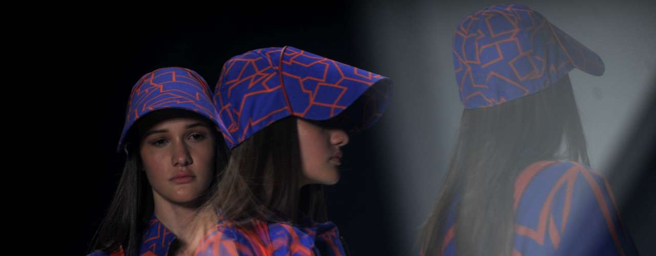 A Espaço Fashion foi criada pelas irmãs Bianca e Camila Bastos, em 1996