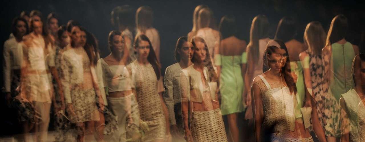 A marca começou a desfilar no SPFW em 1996, quando a semana de moda paulistana tinha o nome de Morumbi Fashion