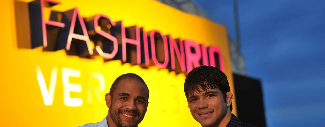 OTerraconvidou para o Fashion Rio Verão 2014 Erick Silva, lutador do meio-médios, e Rafael Feijão, estreando no UFC no próximo mês de junho pelos meio-pesados