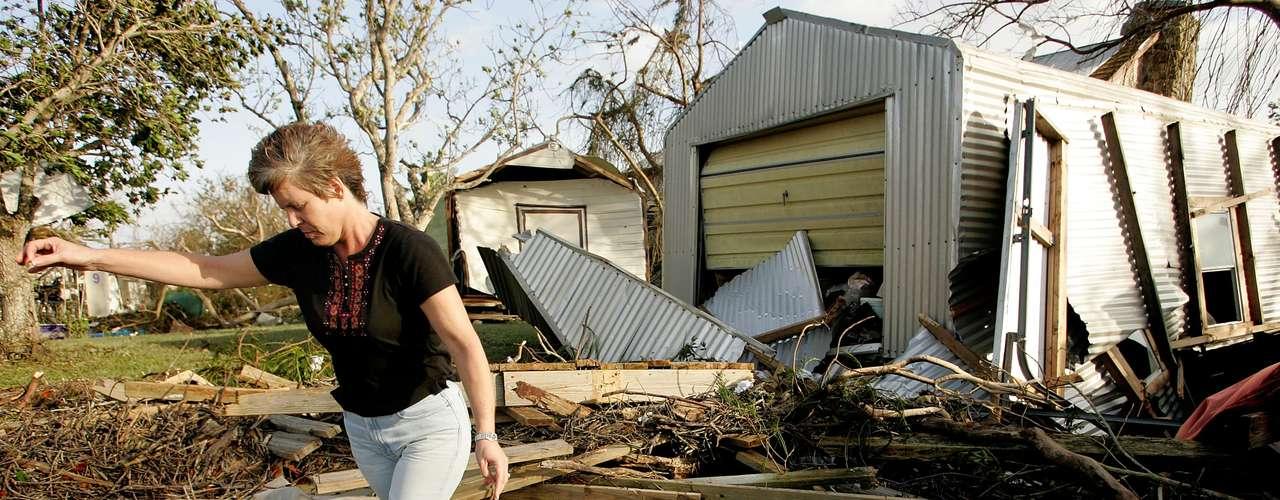 4º. Wilma O furacão Wilma, de 2005, teve categoria 3. O estado da Flórida foi um dos mais atingidos, e o prejuízo total foi de US$ 21 bilhões. Mais de 60 pessoas morreram