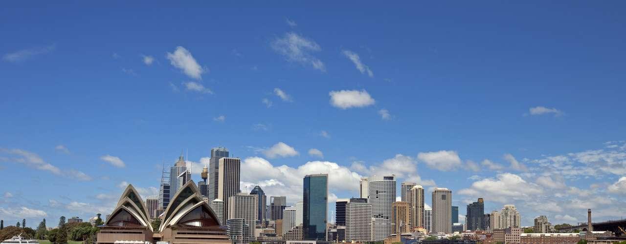 Sydney, Austrália A cidade é o lugar perfeito para quem quer dar uma pausa de um ano e viajantes sozinhos. Restaurantes, bares, museus, trilhas e praias esperam pelos turistas