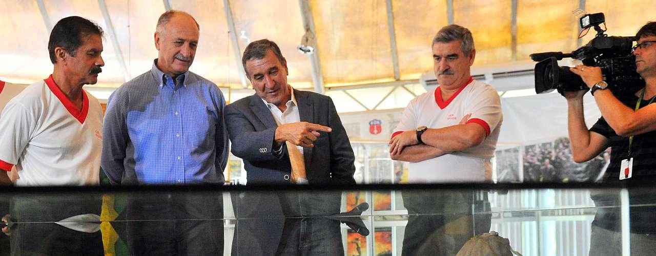 Felipão e Parreira também vistoriaram projetos e analisaram estruturas no local