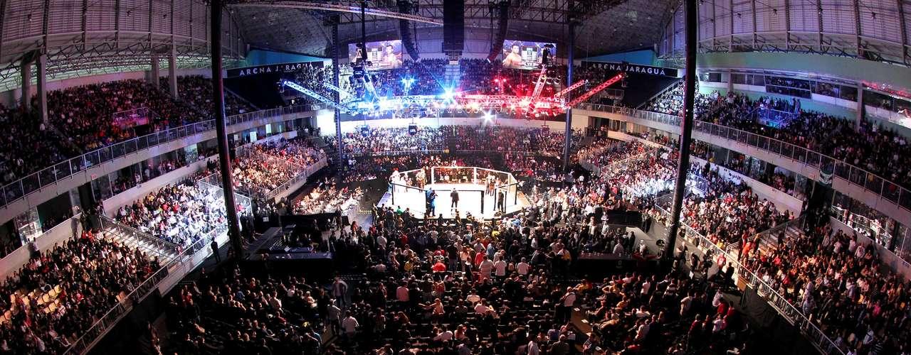 Vista geral da Arena Jaraguá, que recebeu neste sábado a primeira edição de um UFC no Sul do Brasil