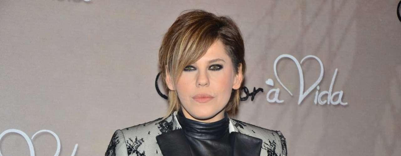 Bárbara Paz foi a um buffet, em São Paulo, para o lançamento oficial da nova trama das 21h, 'Amor à Vida'