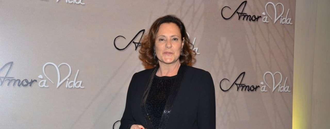 Elixabeth Savalla foi a um buffet, em São Paulo, para o lançamento oficial da nova trama das 21h, 'Amor à Vida'