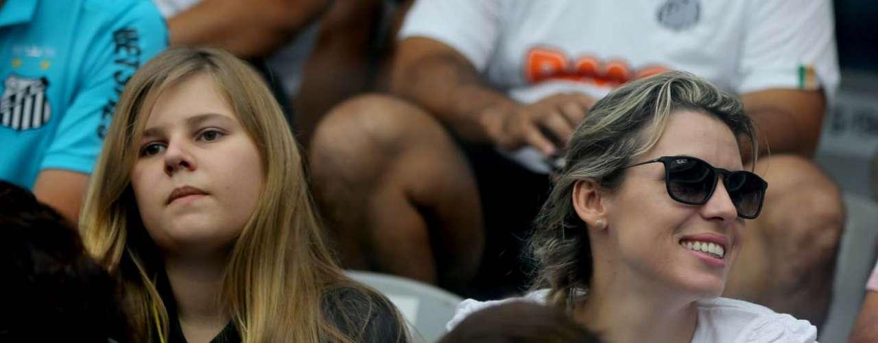 Santistas lotaram a Vila Belmiro na expectativa do tetracampeonato paulista, mas saíram decepcionados com o empate por 1 a 1 com o Corinthians; clube do Parque São Jorge se sagrou campeão estadual pela 27ª vez na história e festejou na casa dos rivais