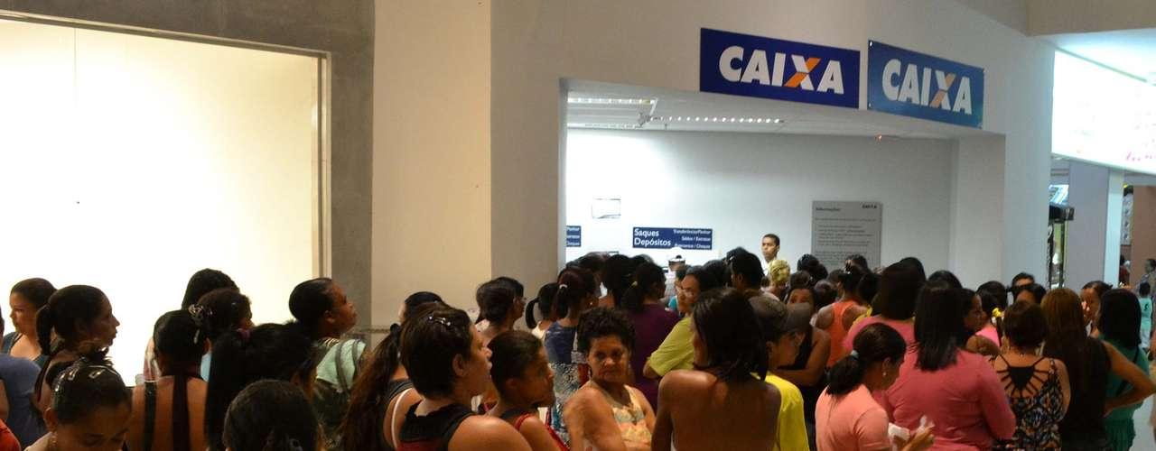 20 de maio - Caixa Econômica Federal do município de Itabuna (BA) ainda registrou filasna madrugada desta segunda-feira por causa do boato