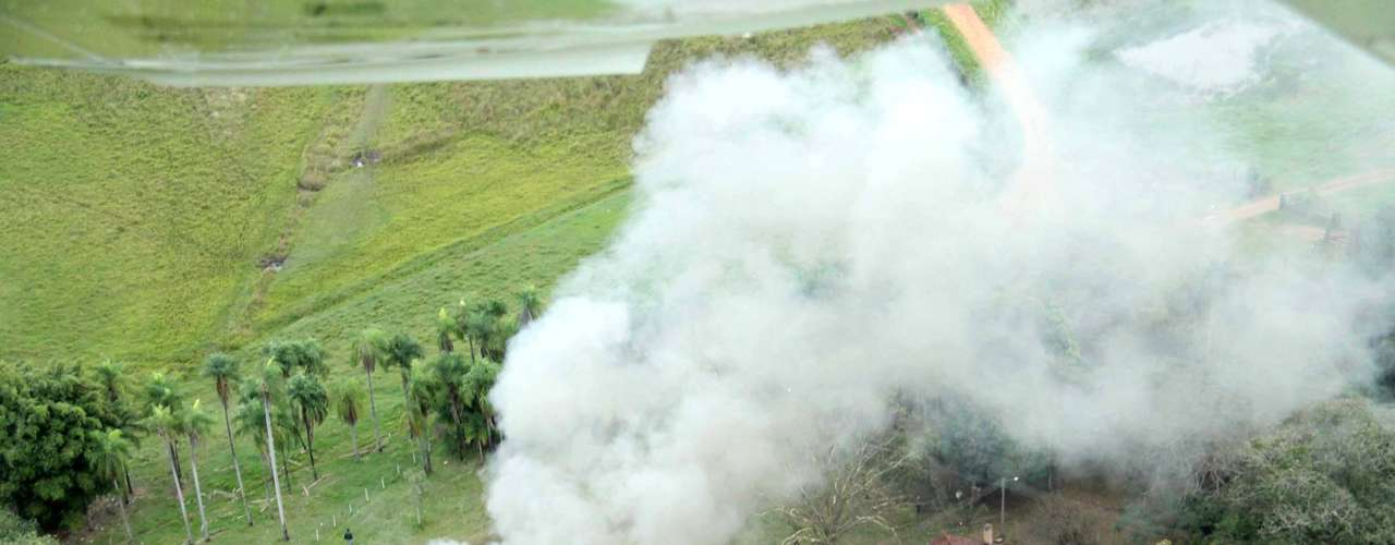 30 de maio -Incêndio produziu grande coluna de fumaça em fazenda no interior de MS