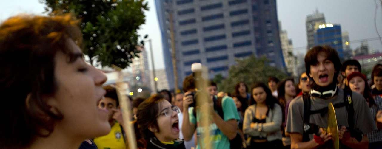 7 de junho - Um dia após confrontos, manifestantes prometem ato pacífico em São Paulo