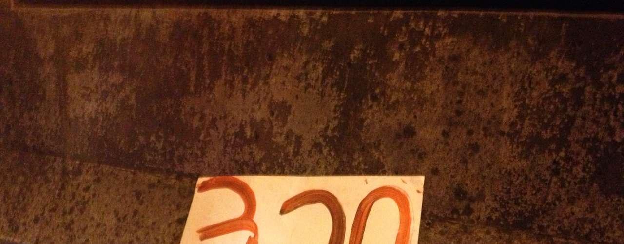6 de junho -Cartaz foi abandonado pelos manifestantes na região da avenida Nove de Julho