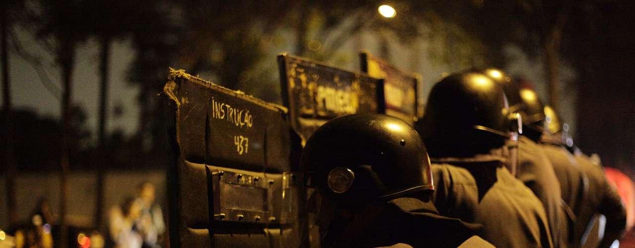 7 de junho - Tropa de Choque da PM foi chamada para conter a manifestação