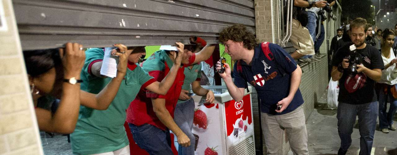 7 de junho - Comerciantes da avenida Faria Lima fecharam estabelecimentos com receio de depredação