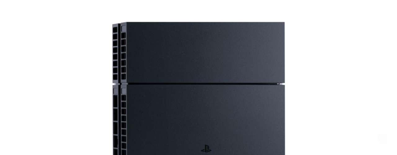 Como os consoles da Sony após o PS2, o PS4 também tem suporte para ficar de pé