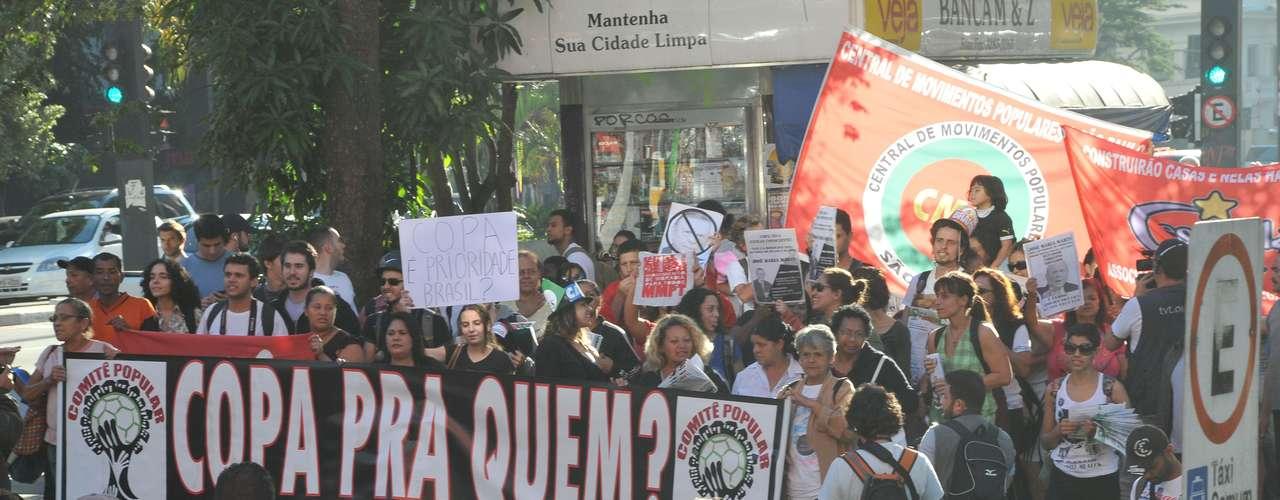 O ato foi organizado pelo Movimento dos Trabalhadores Sem Teto (MTST), que comandou nesta manhã protesto em Brasília