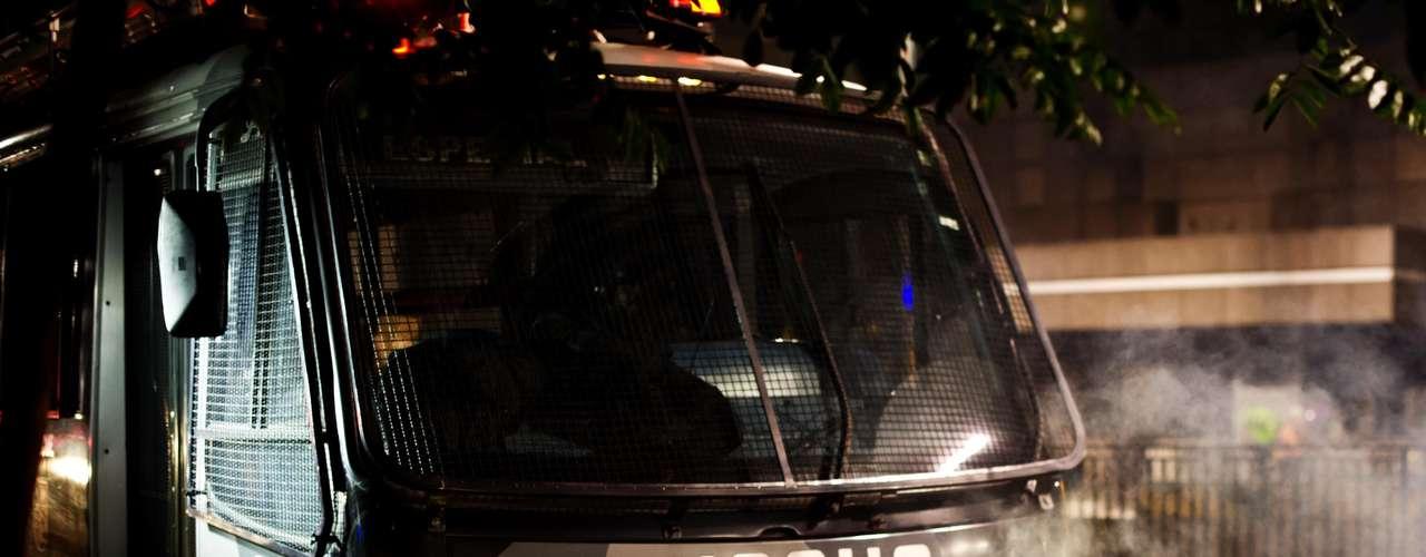 13 de junho -  Veículo da Tropa de Choque da PM também foi acionado