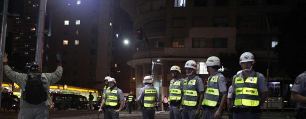 13 de junho - Polícia Militar acompanha movimentação dos manifestantes