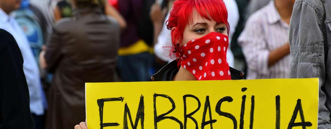 17 de junho A polícia do Rio de Janeiro estimou entre 40 mil e 50 mil pessoas no protesto de hoje