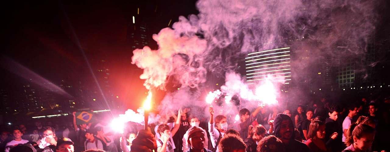17 de junho Segundo Datafolha, 65 mil pessoas participam de protestos em São Paulo