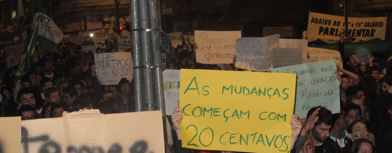 17 de junho - Protesto em Curitiba, no Paraná