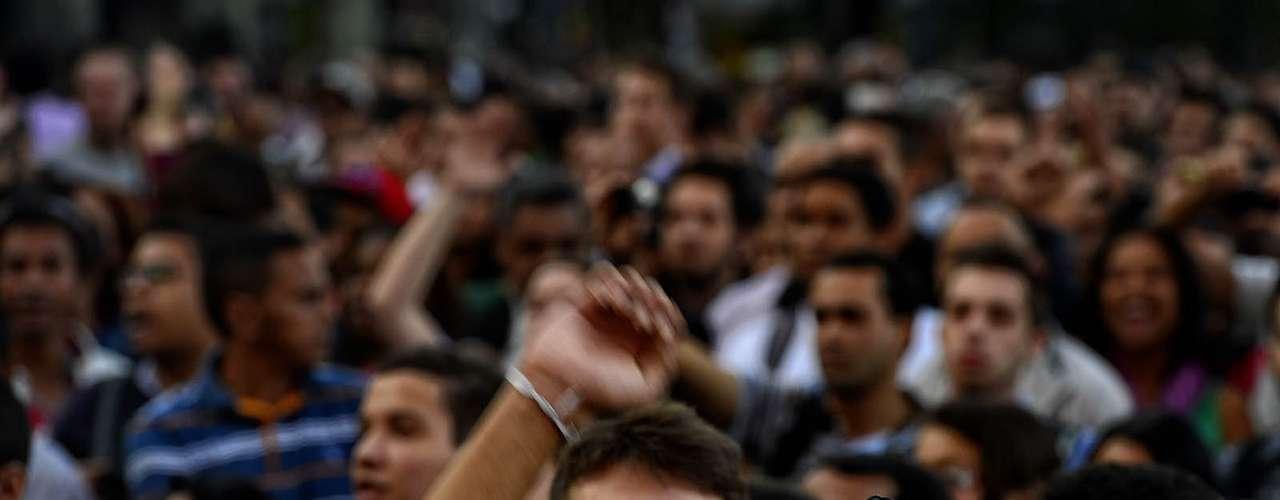 18 de junho O prefeito de São Paulo, Fernando Haddad, admitiu em reunião nesta terça-feira com representantes do Movimento Passe Livre (MPL) que avalia a possibilidade de rever o preço da passagem do transporte público na capital
