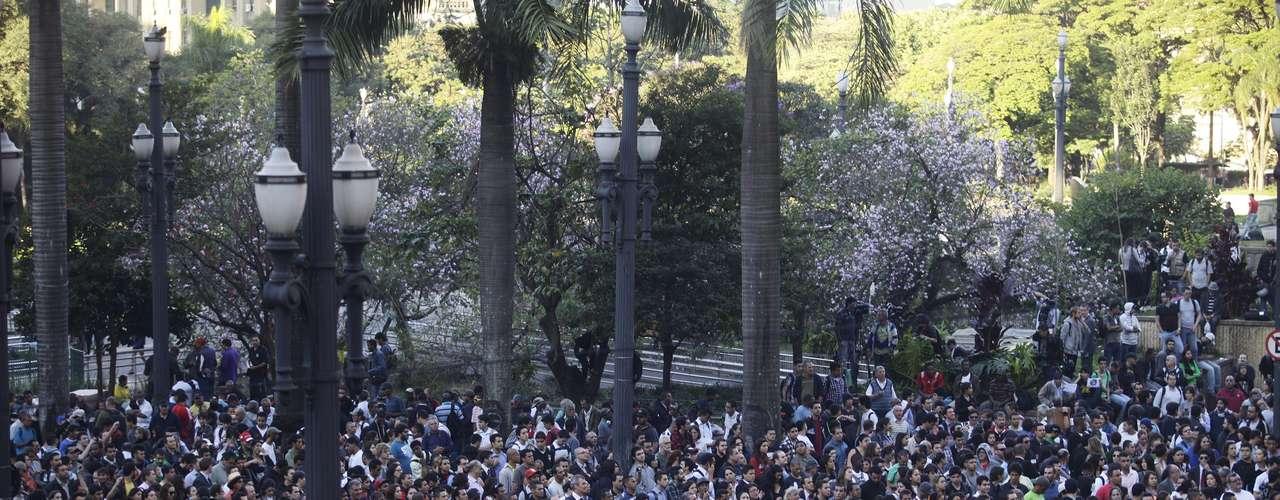 19 de junho Por conta do protesto na região central de São Paulo, a Igreja da Sé fechou as portas às 16h